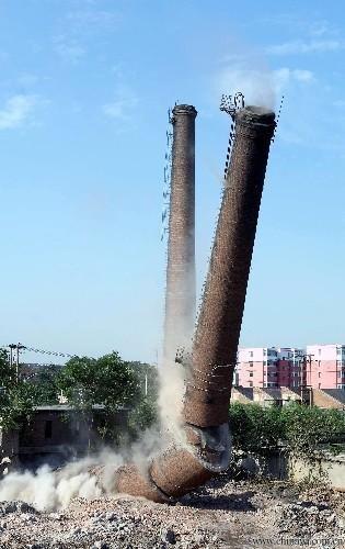 大兴安岭废弃的大烟囱拆掉我们是您的不二之选